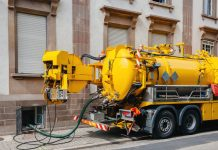Grease trap cleaning service