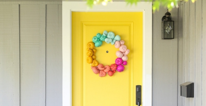 DIY ideas to welcome the season of colors at home